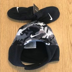 Nike infant 2 piece beanie and mittens camo new